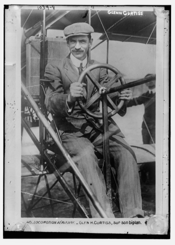 Glenn Curtiss at the controls, most likely at Reims in 1909
