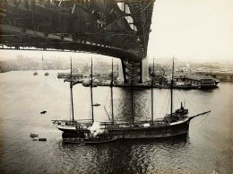 An empty 'Helen B Sterling' is towed under the newly completed bridge deck (at low tide) on March 5th, 1931. Apparently the masts cleared the bridge by a scant 6 feet.  (State Records NSW 12685 a007 a00704 8731000125r)