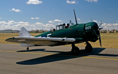 Wirraway A20-653 (VH-BFF) currently owned by the Temora Aviation Museum, photographed at the RAAF Base Wagga in NSW. (Photo by Bidgee, via wikipedia, CC-BY-SA 3.0)