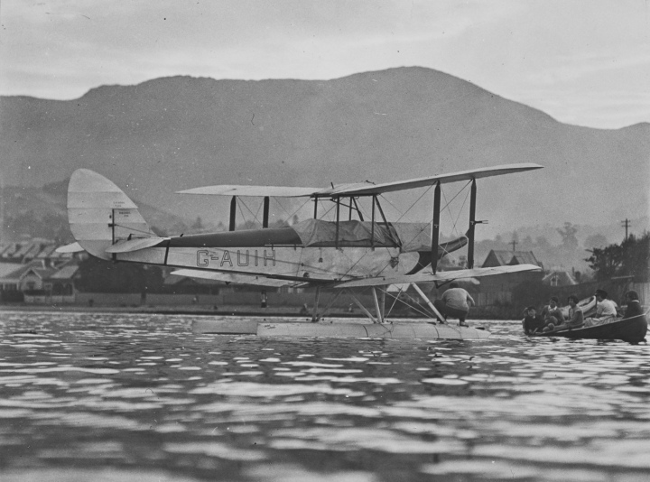 'and a seaplane...' Almost certainly the seaplane that flew under the bridge on February 28th 1931, P.G. Taylor's DH.60 floatplane G-AUIH (c/n 822) later VH-UIH, seen here in Hobart, Tasmania. (State Library of Victoria H99.206/1326)