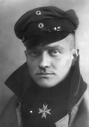 Rittmeister Manfred Freiherr von Richthofen wears his Ordre pour le Mérite, Prussia's highest military honour, in a 1917 postcard portrait. (wikipedia)