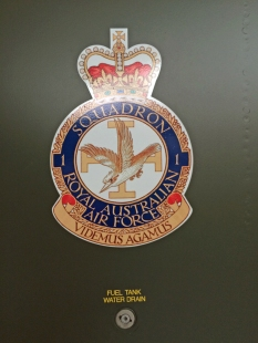 The No.1 Squadron badge. No.1 traces its history back to 1916 and has operated numerous great planes including the Bristol F.2 Fighter, Hawker Demon, DH Mosquito, EE Canberra, McDonnell F-4 Phantom II, F-111 and now Boeing F/A-18F Super Hornets. 'Videmus agamus' means 'we seek and we strike' – very fitting. (© airscape Photo)