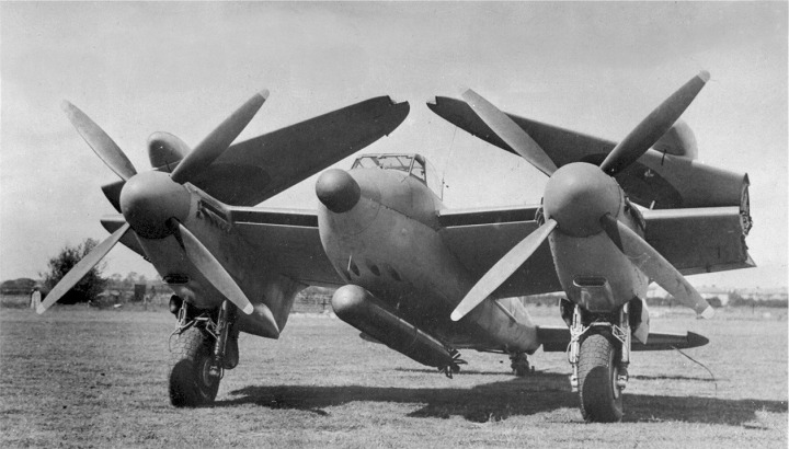 The prototype TR.33 Sea Mosquito 'LR387', showing the folding wings, four-bladed props, torpedo and tanks load out, and an early 'thimble' style radome. (Courtesy of the Dan Shumaker Collection, www.shu-aero.com)