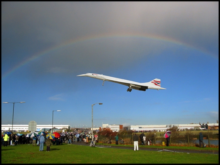 No pot of gold... The last Concorde flight of all, G-BOAF #216, comes home to Bristol's Filton airport on November 26th, 2003, for its future as a museum display. (Ben Salter | flickr.com CC BY 2.0)