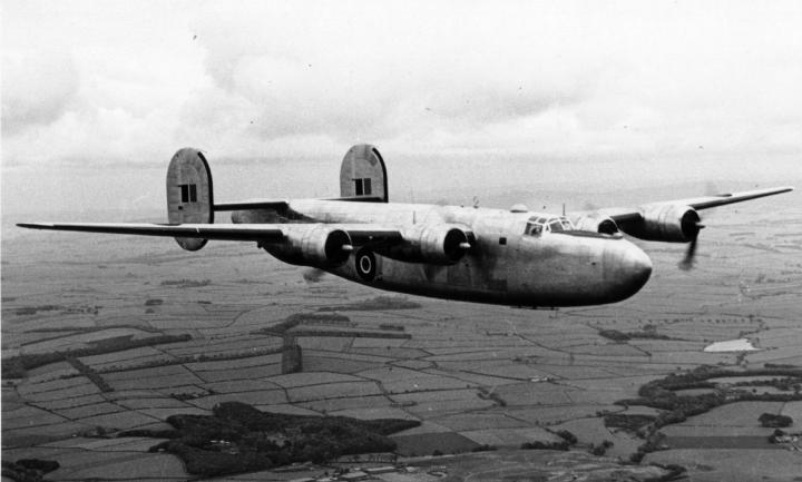 The RAF's unique LB-30 Liberator Mk.II. This particular aircraft, AL547, was used by BOAC as G-AGKU, then transferred to QANTAS Empire Airways in August 1944. (SDASM 01_00092052)
