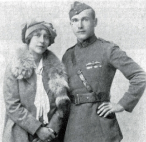 Captain Bill Lancaster RAF, with his wife 'Kiki' – Annie Maud Mervyn-Colomb – in 1919. (© Lancaster family)