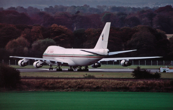 C5-FBS prepares to leave Edinburgh, Scotland (for Gambia, presumably) after CHOGM in October 1997. (© Alistair Henderson | flickr.com)