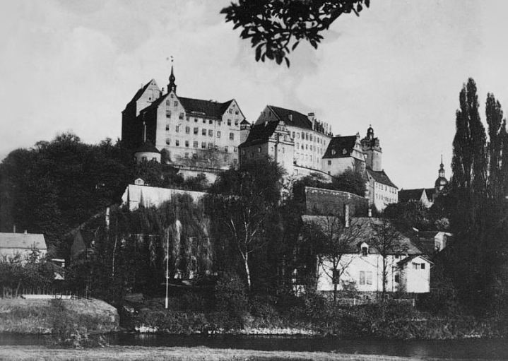 Schloss Colditz in 1945, the day after its liberation. Taken by an unnamed US soldier. (Wikipedia)