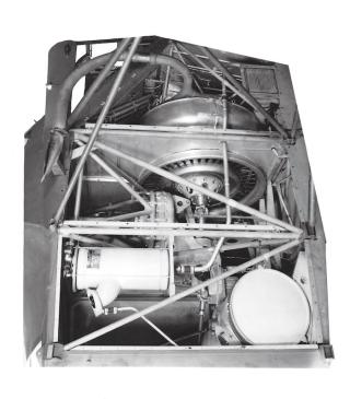 Top view of the R-4 engine installation, with cooling fan in the centre and the troublesome transmission just below (aft) and left of it. (© 2016 Igor I. Sikorsky Historical Archives, Inc.)