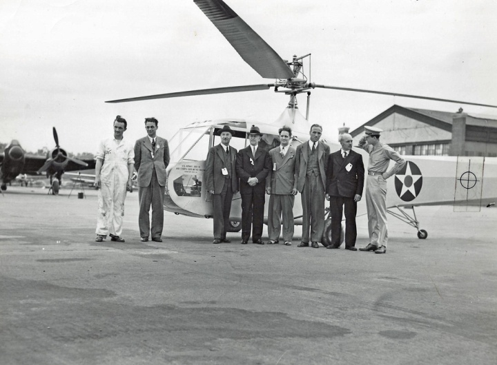 The newly delivered XR-4 and support team at Wright Field. L to R: Ed Walsh, Adolph Plenefisch, Igor Sikorsky, Orville Wright, Ralph Alex, Les Morris and Bob Labensky. (© 2016 Igor I. Sikorsky Historical Archives, Inc.)