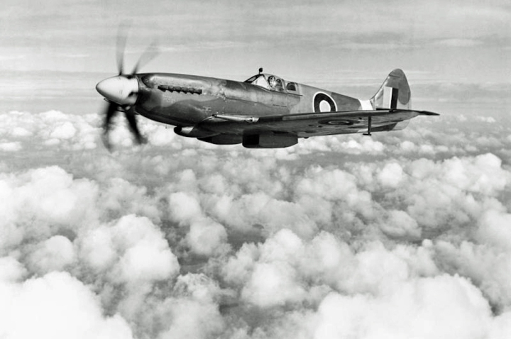First Spitfire XIVe RB140