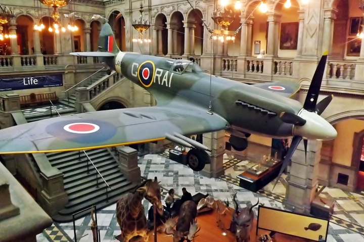 With it's thrusting nose cowling accentuated, LA198 is a Spitfire F Mk.21 preserved at Kelvingrove Museum in Glasgow, Scotland. (Photo: Mark Harkin | flickr.com CC BY 2.0)