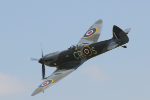 Broad-nosed, but without the distinctive bulges over the cams of a Griffon, this is the later Spitfire Mk XVI (TD248, 'CR-S') powered by a Packard-built Merlin 266. (martin_vmorris | flickr.com CC BY-SA 2.0)